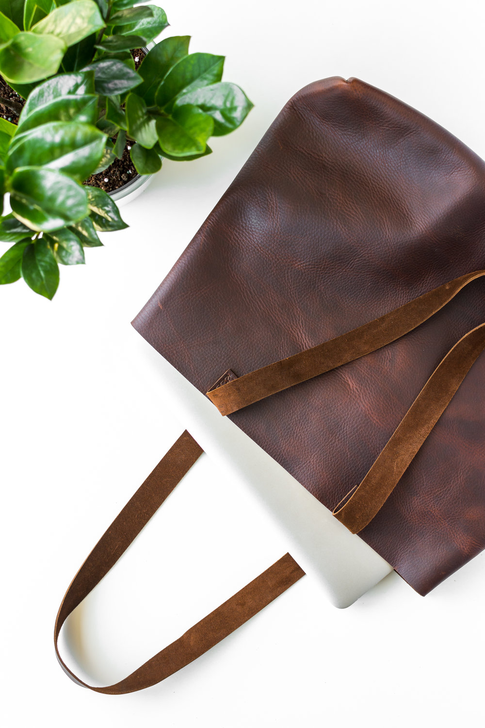 brown classic leather tote.jpg