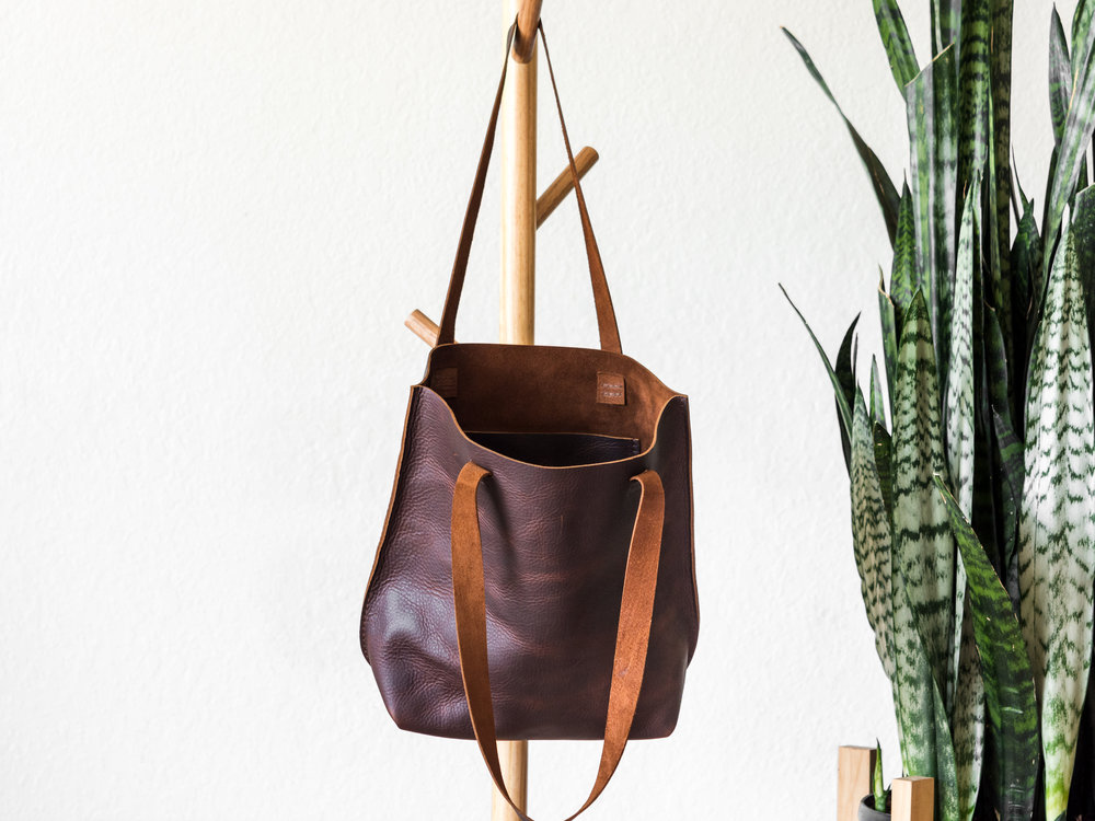 medium tote in brown1.jpg