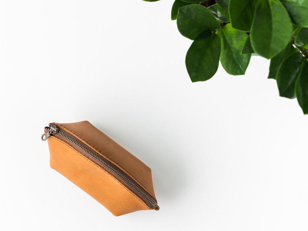 mini leather dumpling pouch 2.jpg