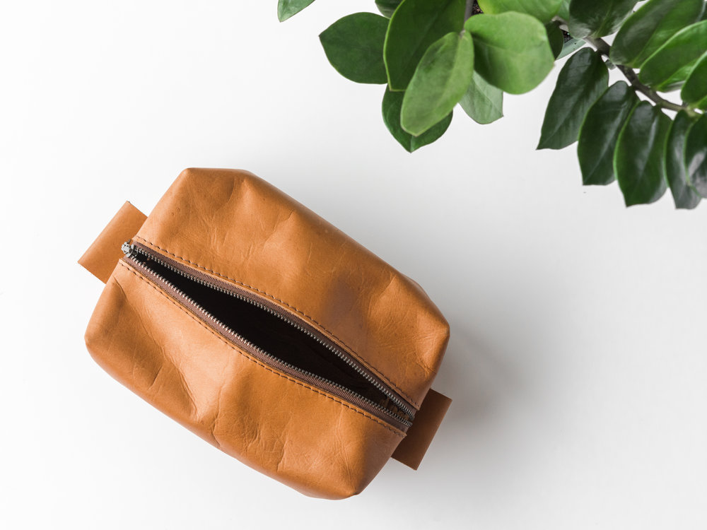 leather dopp kit tan2.jpg