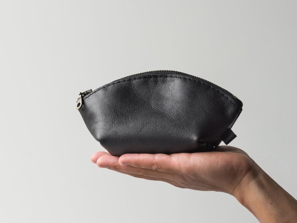 mini black dumpling pouch.jpg