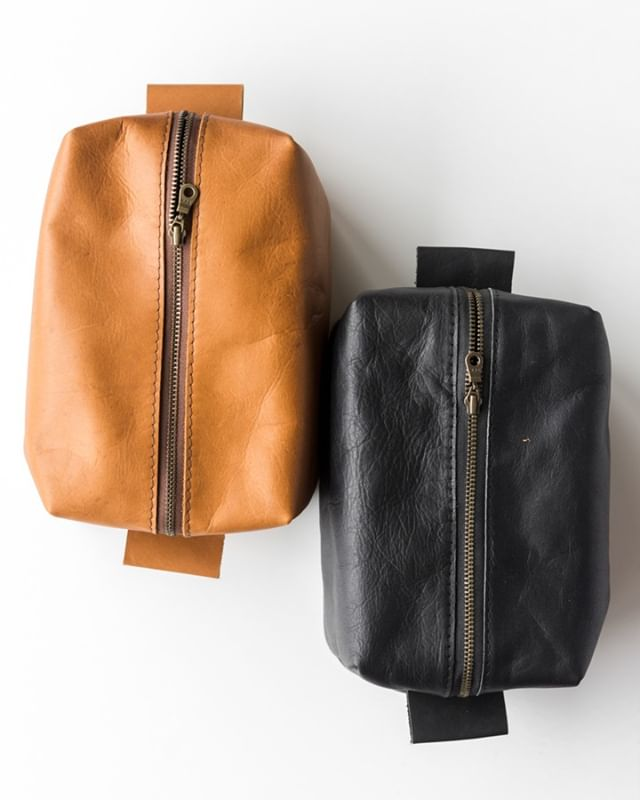 valentine's day is coming up soon! a simple, understated leather dopp is the perfect gift for the man in your life 😉 . . . .  #postitfortheaesthetic #thehappynow #theeverydaygirl #makeitblissful #abmhappylife #littlestoriesofmylife #momentsofmine #livethelittlethings #thedarlingmovement #alifeofintention #embracingtheseasons #gatheredstyle #seeksimplicity #slowliving #stylingtheseasons #verilymoment #thatauthenticfeeling #momentslikethese #chooselovely #bedeeplyrooted #makemoments #waketomake #darlingdaily #thepursuitofjoyproject #aquietstyle #nothingisordinary #calledtobecreative #alittlebeautyeveryday #makersmovement #flashesofdelight