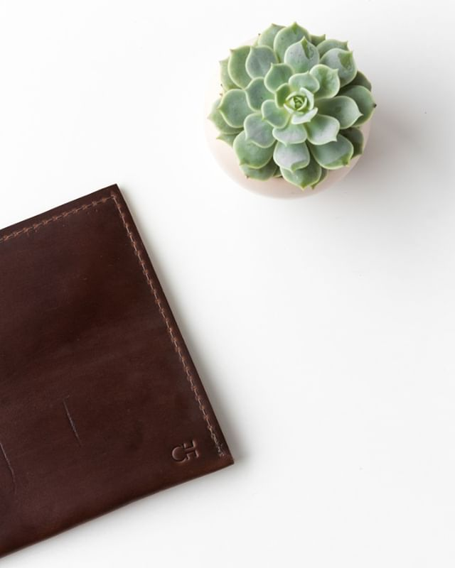 this clutch (and our dog leashes!) is made with horween chromexcel leather. it's thick, rich and buttery AND it's from one of the few remaining American tanneries. . . . . .  #postitfortheaesthetic #thehappynow #theeverydaygirl #bestofetsy #abmhappylife #littlestoriesofmylife #momentsofmine #livethelittlethings #thedarlingmovement #alifeofintention #embracingtheseasons #gatheredstyle #seeksimplicity #slowliving #stylingtheseasons #verilymoment #thatauthenticfeeling #momentslikethese #chooselovely #bedeeplyrooted #makemoments #madeinamerica #darlingdaily #etsyseller #aquietstyle #nothingisordinary #madeintheusa #etsyfinds #makersmovement #flashesofdelight