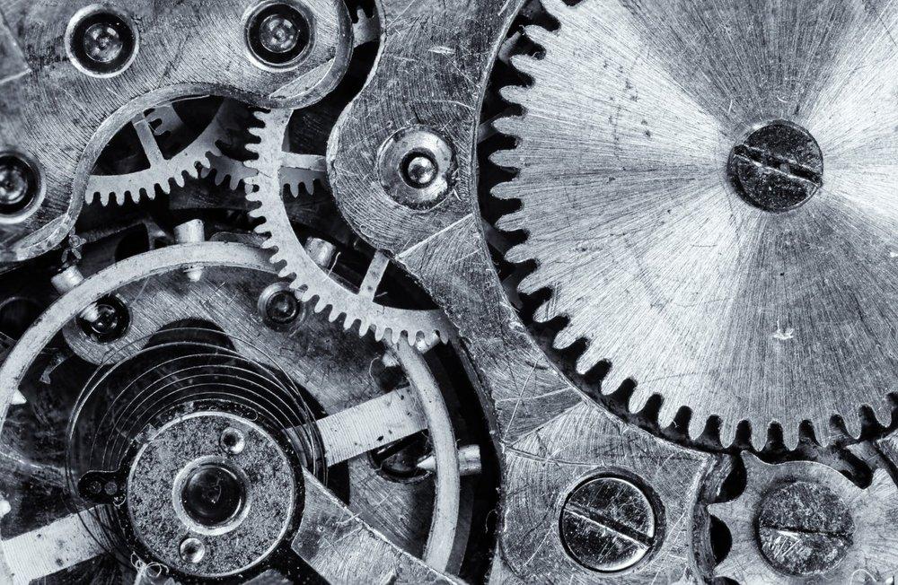 macro_focus_cogwheel_gear_engine_vintage_former_industrial-606291.jpg