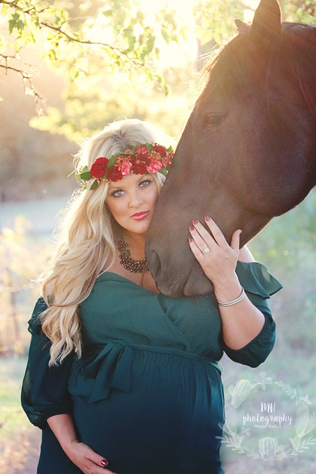 Ashley Akins-Maternity Shoot with  Horse 2.jpg