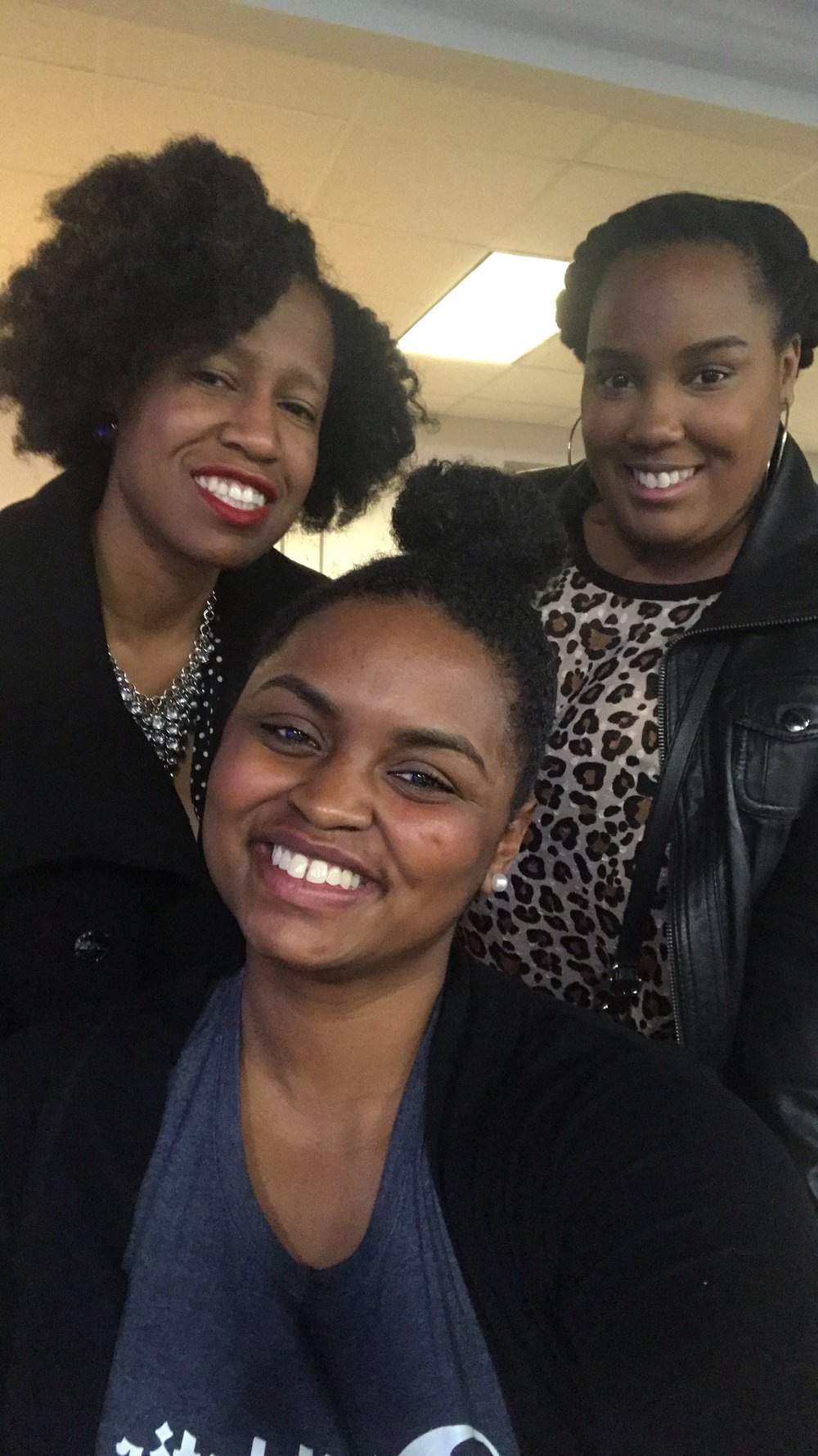 Shavonne and two of her close friends (Dyla H and  Tanisha Pinex ) who supported her throughout the pitch process.