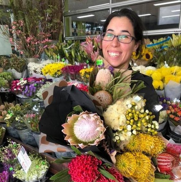 Naked Crackers AND beautiful bouquets to boot? We are so pleased to be back in stock at @clayfieldmarkets - if you're nearby make sure to pop in and stock up on quality produce, small batch provisions and spoil yourself with some beautiful blooms. ----- 📷 from Clayfield Markets Fresh over on FaceBook: Here's Arkina one of our talented florists with some beautiful colourful native flowers that have just come into season,  Come on down to Clayfield Markets Fresh and discover our wide variety of fresh flowers and brighten up your weekend 🌺💐 ----- #local #shoplocal #smallbatch #glutenfree #grainfree #artisan #grocer #greengrocer #freshfood #brisbane #madeinbrisbane #flowers #fresh