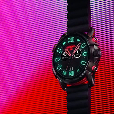 DIESEL ON Full-Guard 2.5 Neon Flicker Dial – Photo by DIESEL S.p.A.