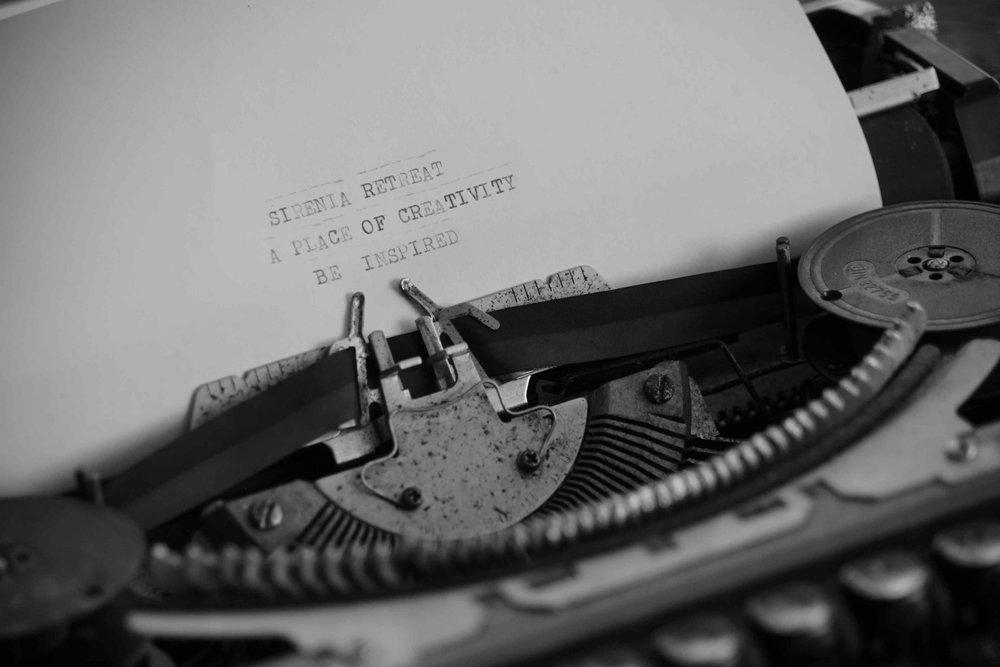 SIRenia typrwrter DSC05495.JPG