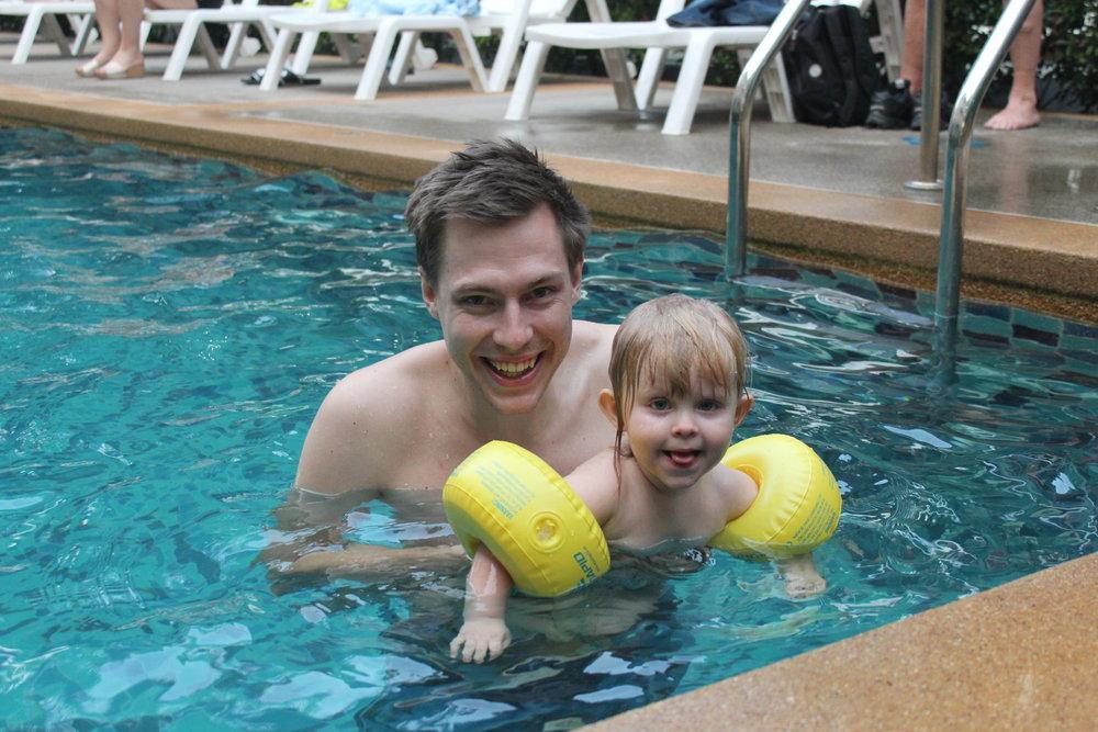Mycket poolbadande blir det!