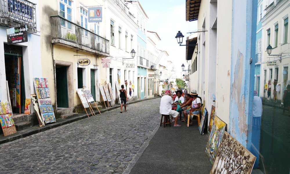 A game of dominos, Salvador