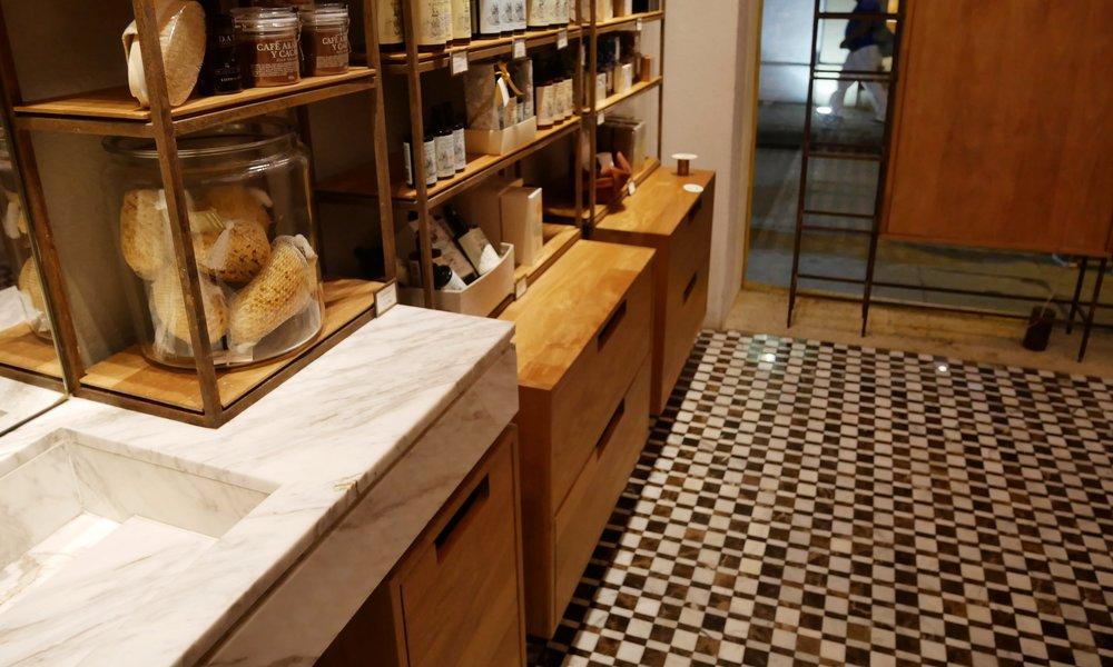 Loto de Sur's shop + interiors