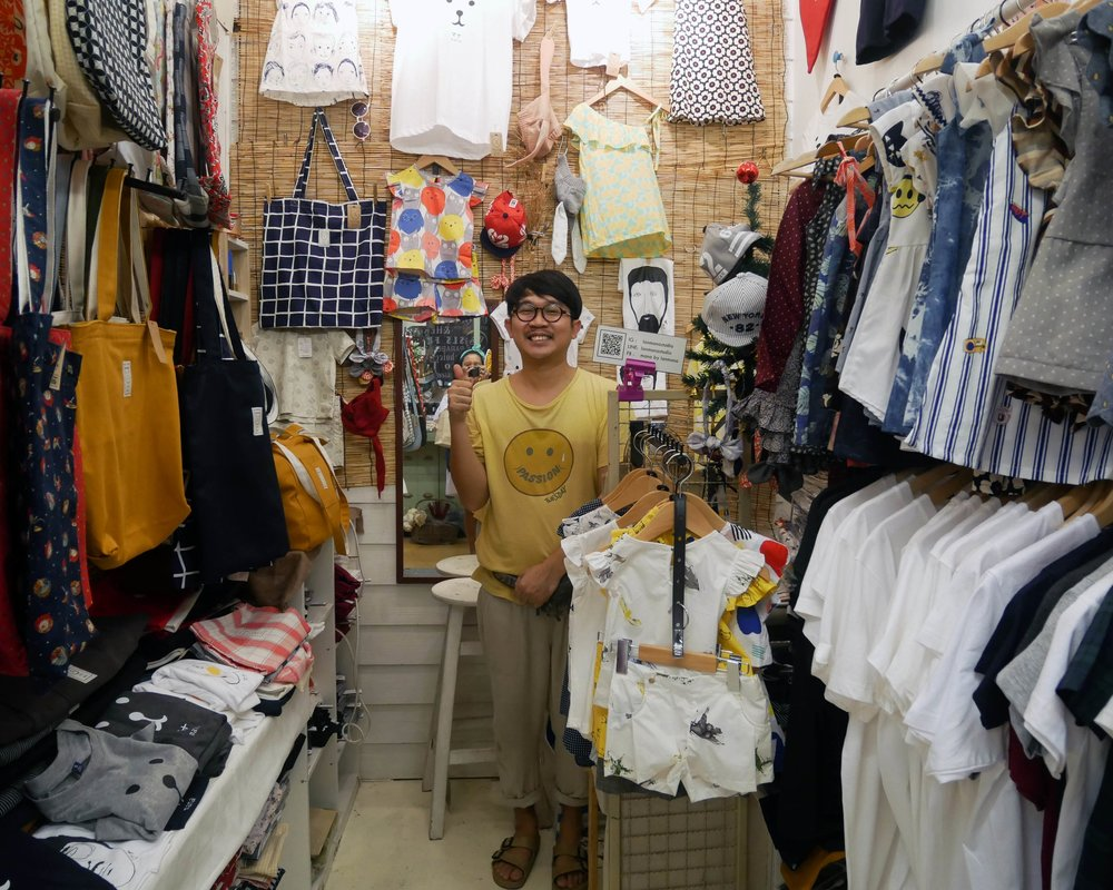 Getting to know the shop-owners at Chatuchak Market