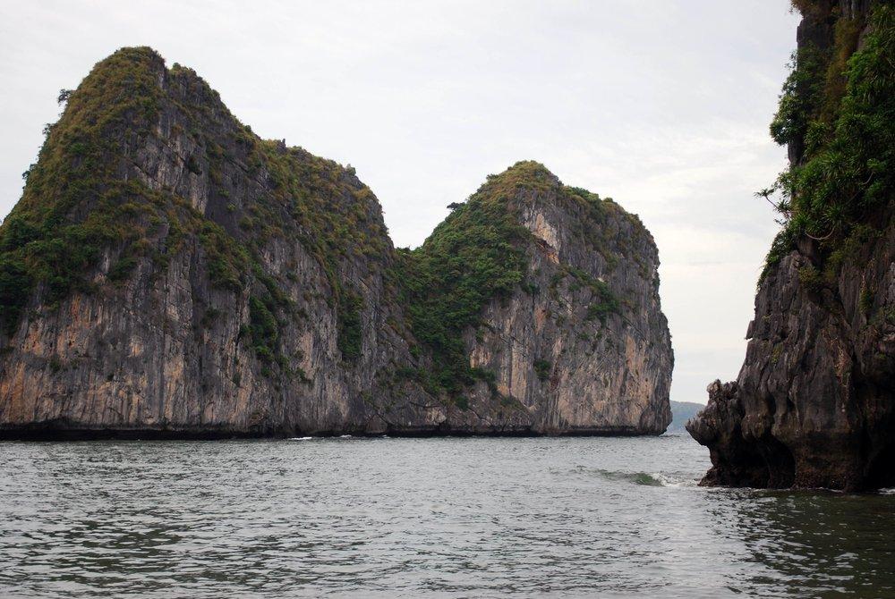 Drifting through Halong Bay's karst mountains