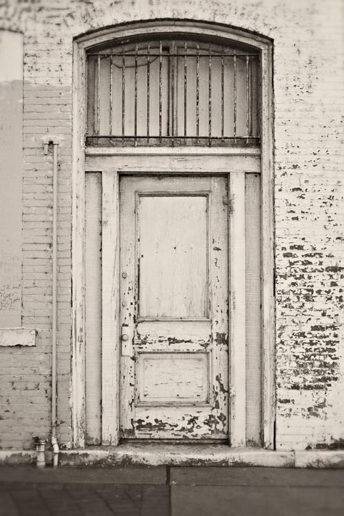 peeling paint_Pinterest_white doorway.png