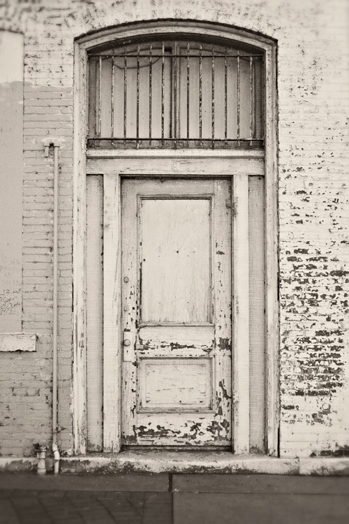 peeling paint_Pinterest_white doorway.png