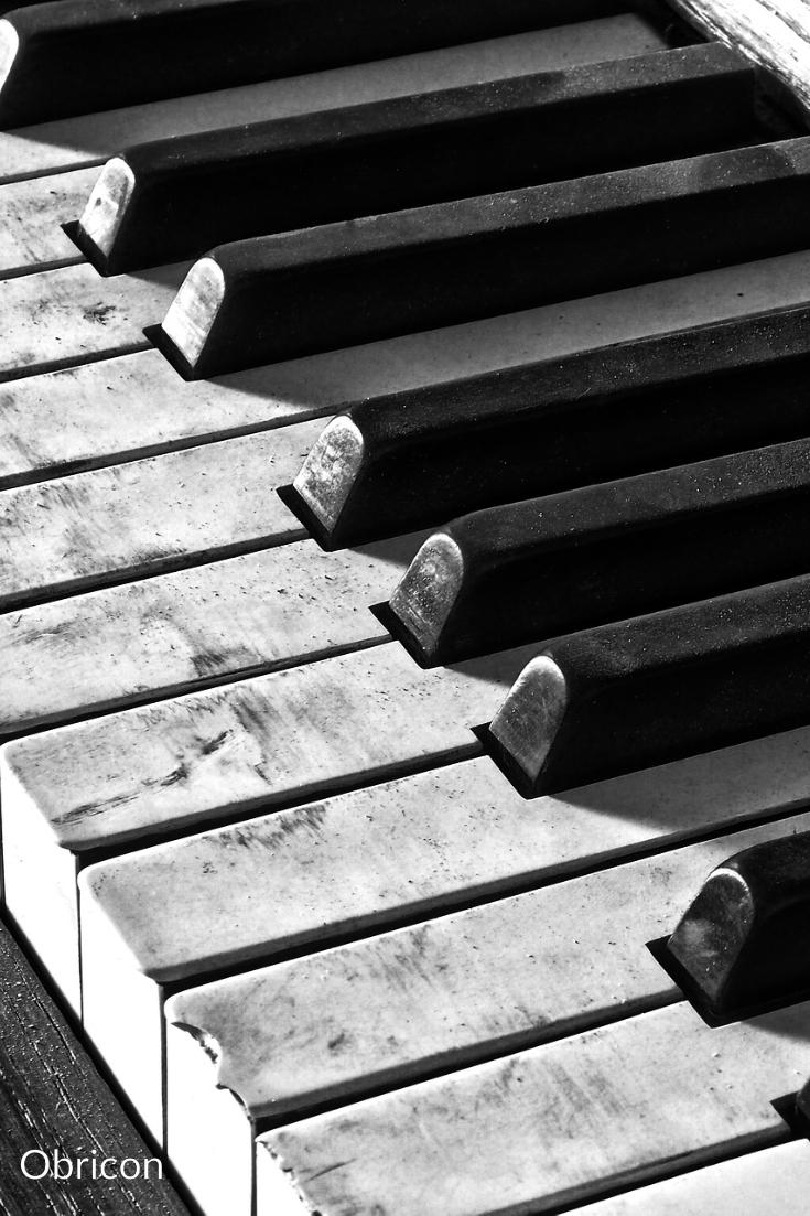 piano keys.jpg