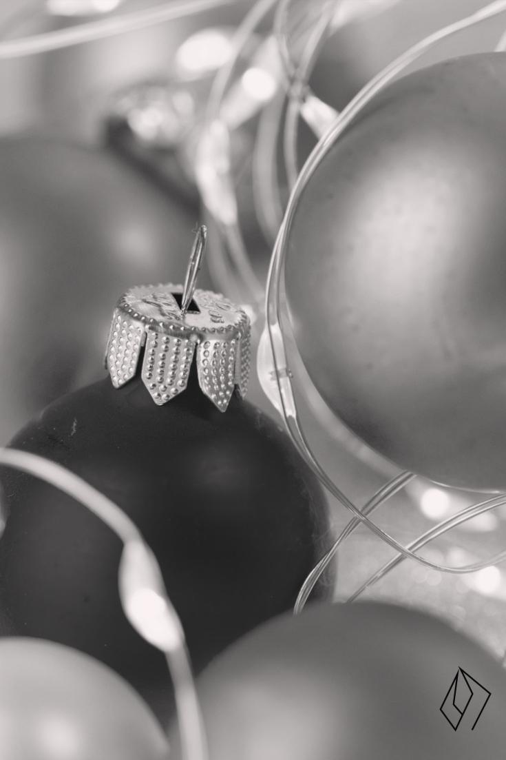 #Christmas #bulb.jpg