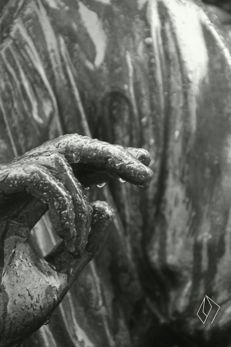 #statue.jpg