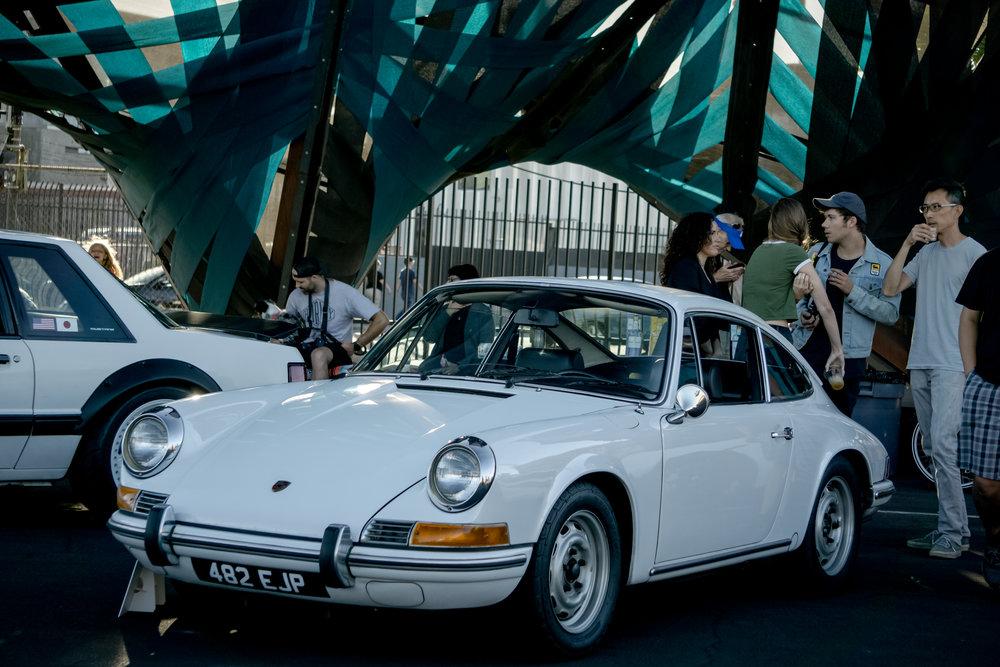 Lazybone Cafe Porsche 912