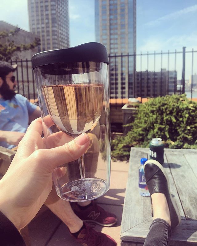 Rooftop rosé days are finally here 😎