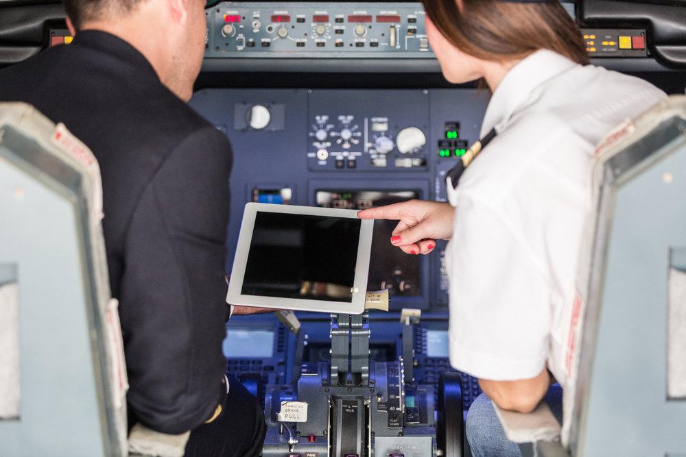 FLIGHT SCHOOL MEMBERSHIP. FLIGHT SIMULATOR VAN NUYS AIRPORT