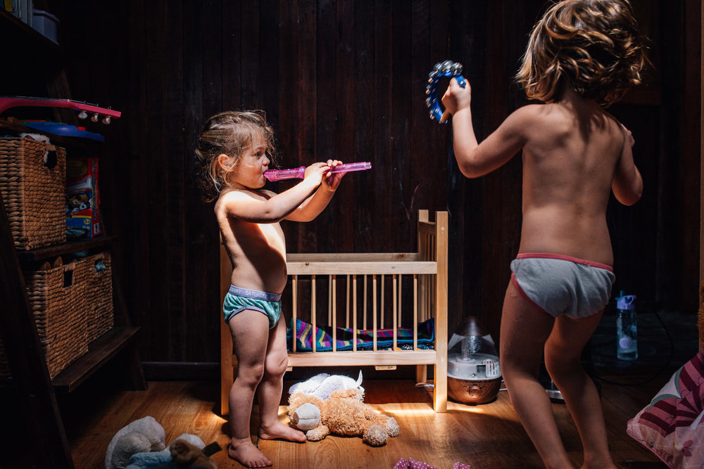 There are posed portraits and then there is this. If this was your daughters, wouldn't you print this lifestyle photograph as big as you possibly could?