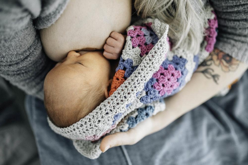 newborn-baby-breastfeeding.jpg