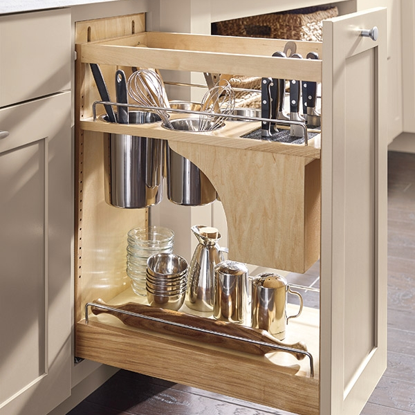 Pantry Pull Out with Knife Block  Source -  Masterbrand Cabinetry