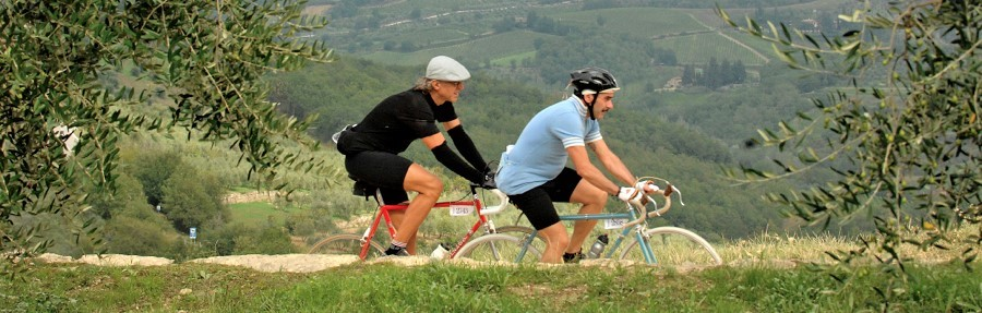 cyclists in l'Eroica