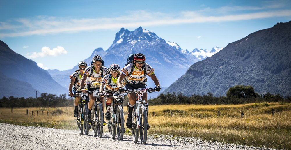 A team approaching Queenstown in GodZone 2017