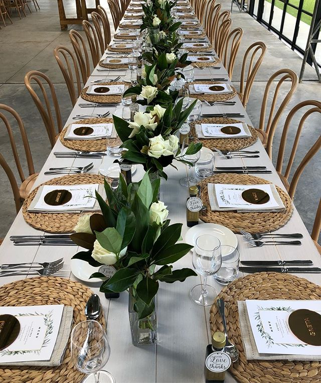 Congrats to our bride and groom Katharine and Ben this weekend 💕 @seacliffhouse what an amazing venue #flowerstagram #flowersatkirribilli #weddingflowers #love
