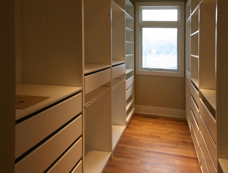 I41-Master-Closet-Calgary-750x570.jpg