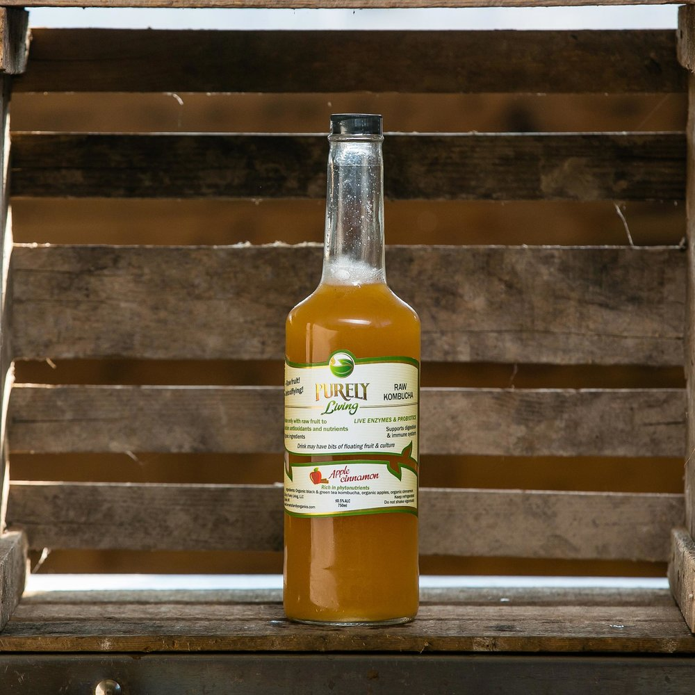 Apple Cinnamon - Ingredients: Organic Black and Green Tea Kombucha, Organic Raw Apples, Organic Cinnamon
