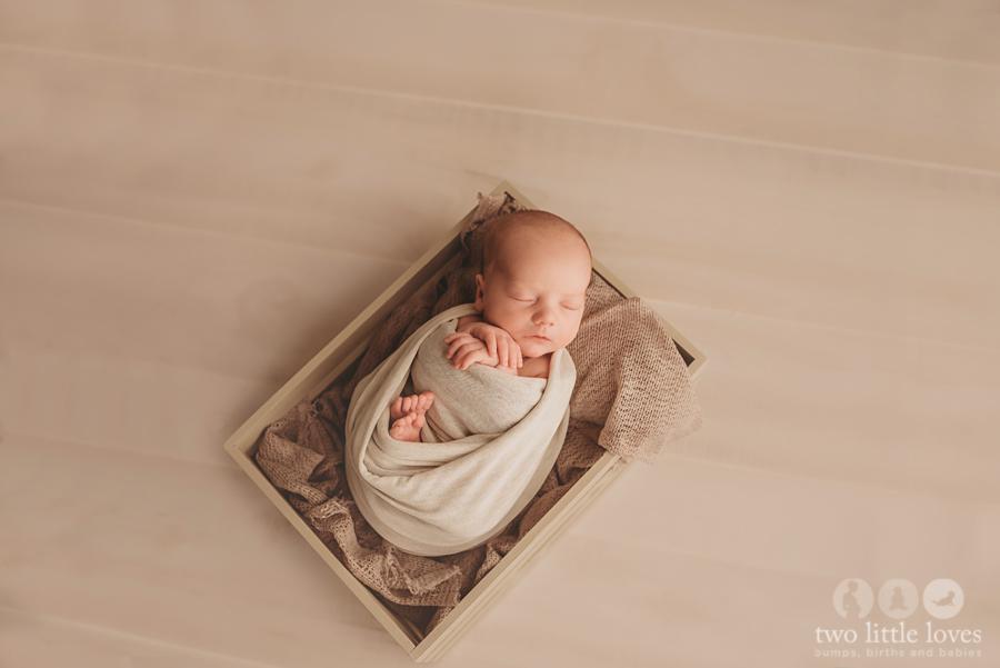 Simple_and_Neutral_Newborn_Session_Warner_Robins_Georgia_Newborn_Photography02.jpg