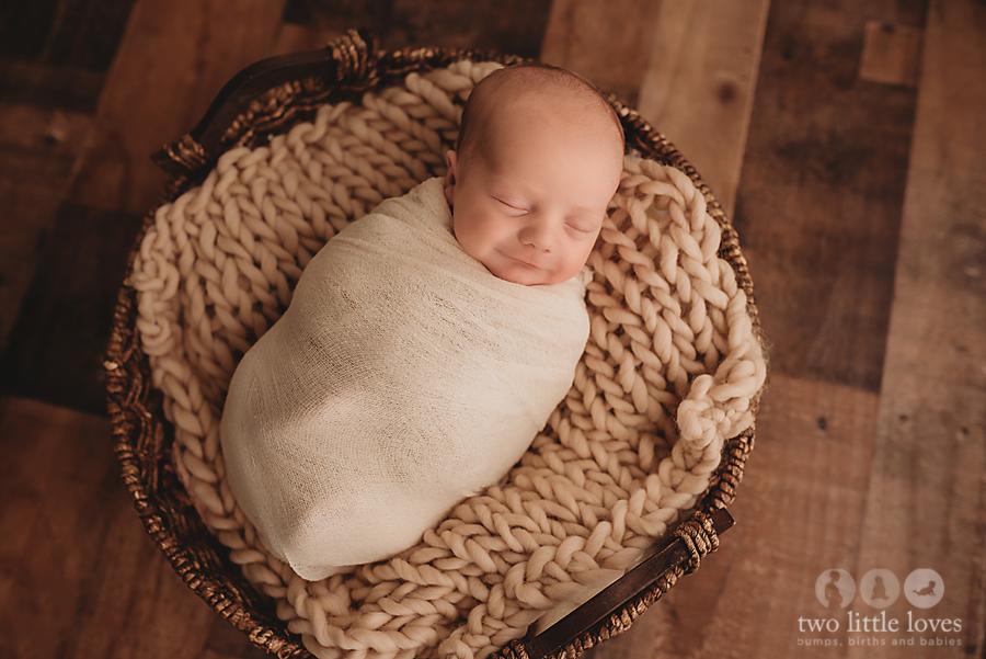 Simple_and_Neutral_Newborn_Session_Warner_Robins_Georgia_Newborn_Photography03.jpg
