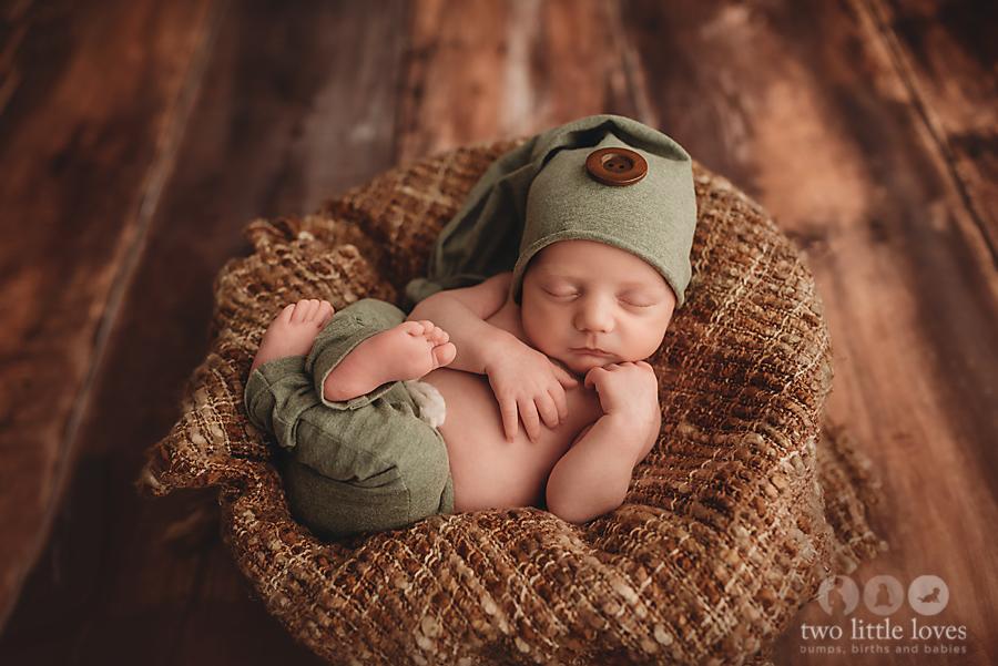 Simple_and_Neutral_Newborn_Session_Warner_Robins_Georgia_Newborn_Photography08.jpg