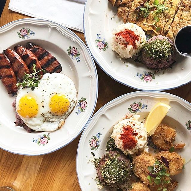 It's hump day y'all! 🐪 getting thru the week with this glorious spread.  Local Plate✖️Shrimp✖️Beef | Photo: @spicyazzfoodie