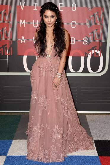 mtv-vma-red-carpet-2015-vanessa-hudgens