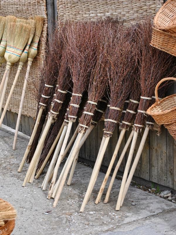 broom-traditional