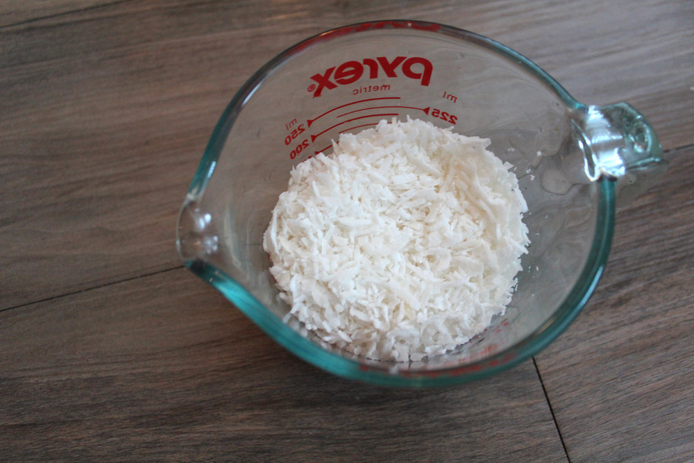 Coconut - 1 Cup Shredded Coconut1 1/2 Cup Filtered Water1 Cap Full Vanilla ExtractDash of Cinnamon