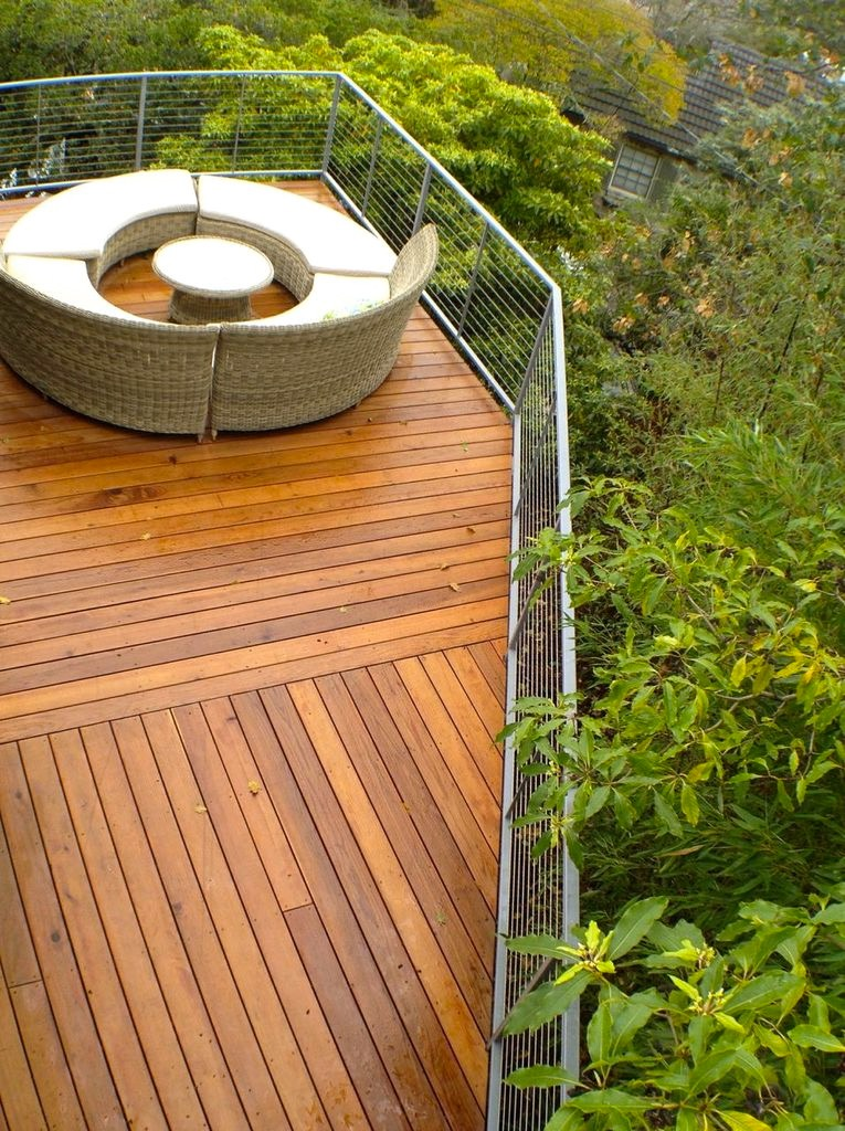 REDWOOD DECK: CABLE RAILS