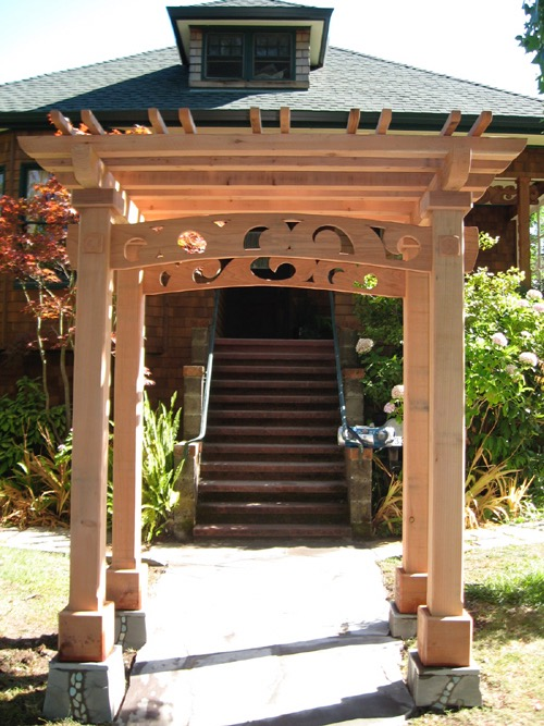 BAYVIEW REDWOOD ENTRY ARBOR