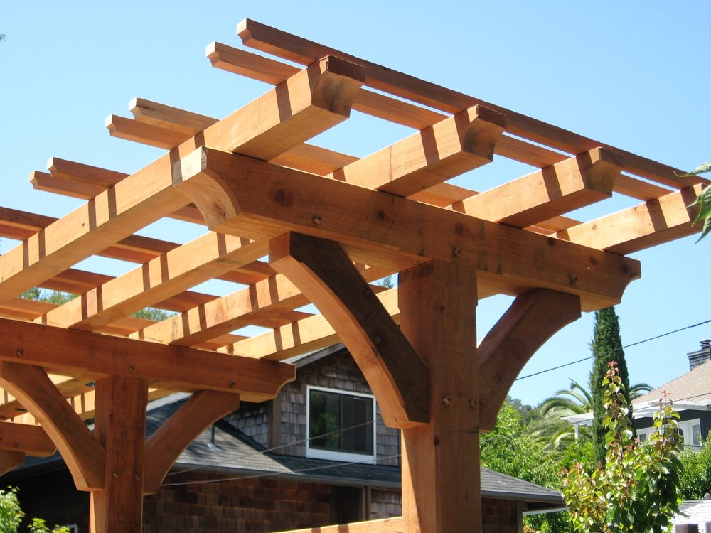 BAYVIEW REDWOOD FENCE TRELLIS