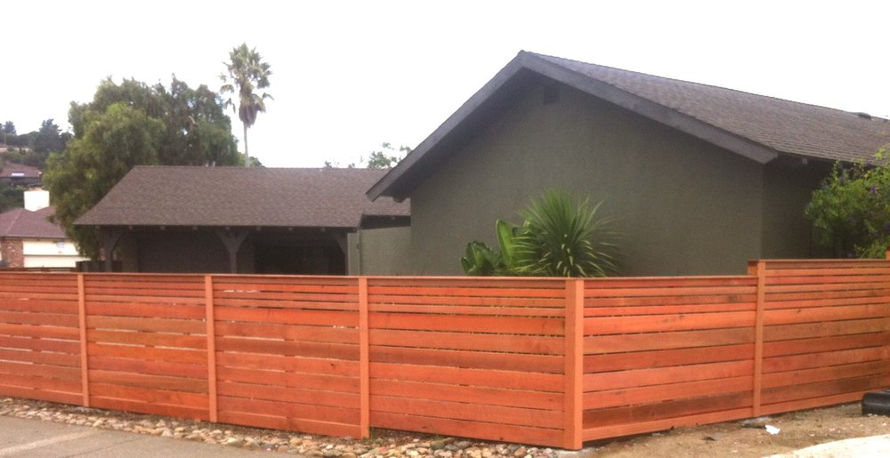 HORIZ REDWOOD FENCING