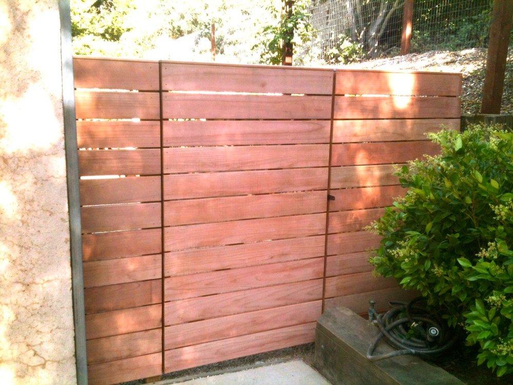Redwood Fence HORIZ REDWD FENCE