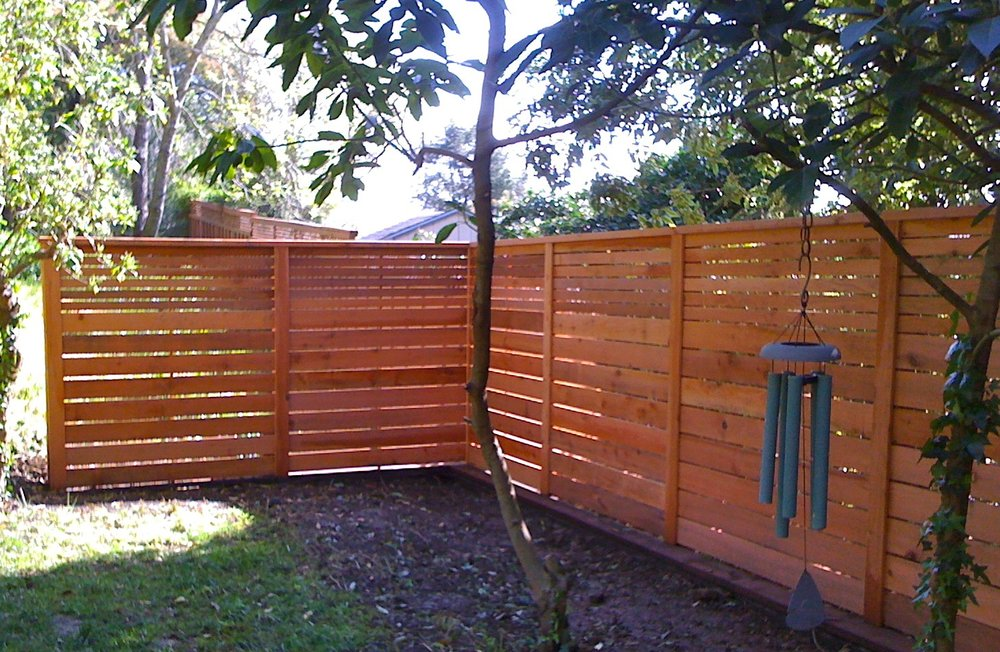 REDWOOD HORIZ FENCING