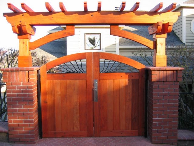ENTRY ARBOR: CUST GATES