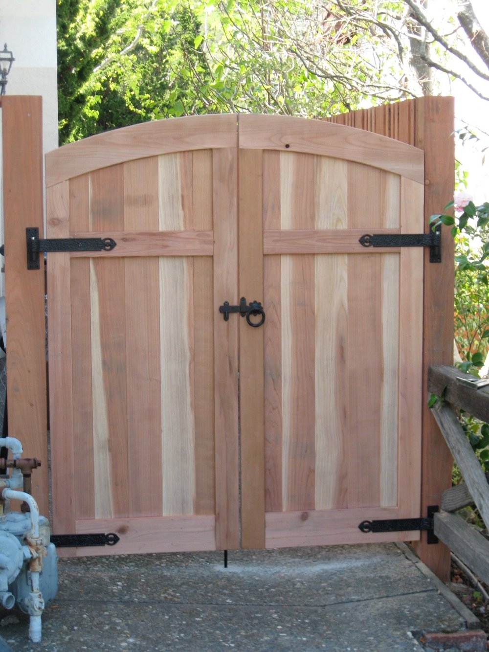 SIDE YARD GATES