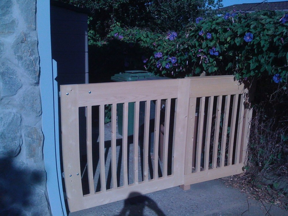 CEDAR SIDE ENTRY GATE